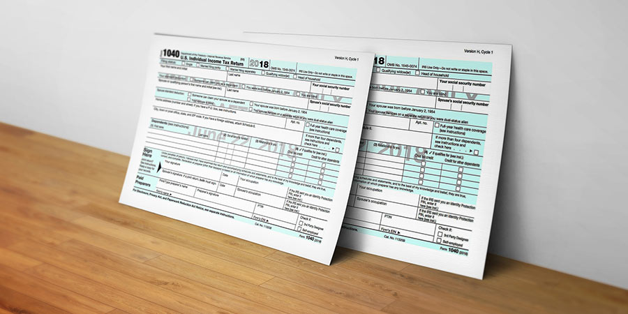 1040 Steuerformular Postkarte MockUp
